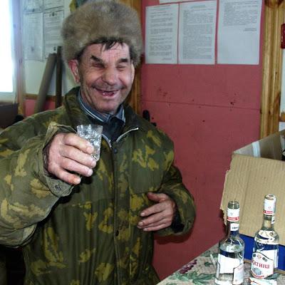 [Image: blind-toothless-drunk-russian.jpg]