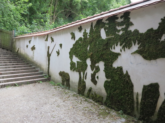 moss-graffiti-elk-and-children-relief