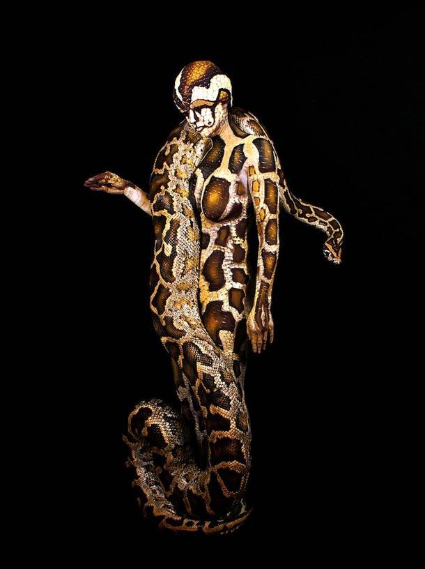 Johannes-Stotter-body-painting - snake