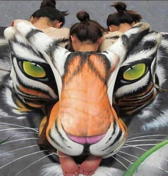 Johannes-Stotter-body-painting - tiger