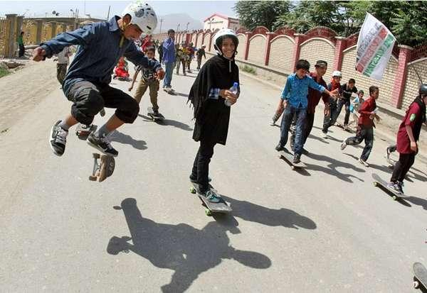 skateistan-girls-skateboarding-kickflip