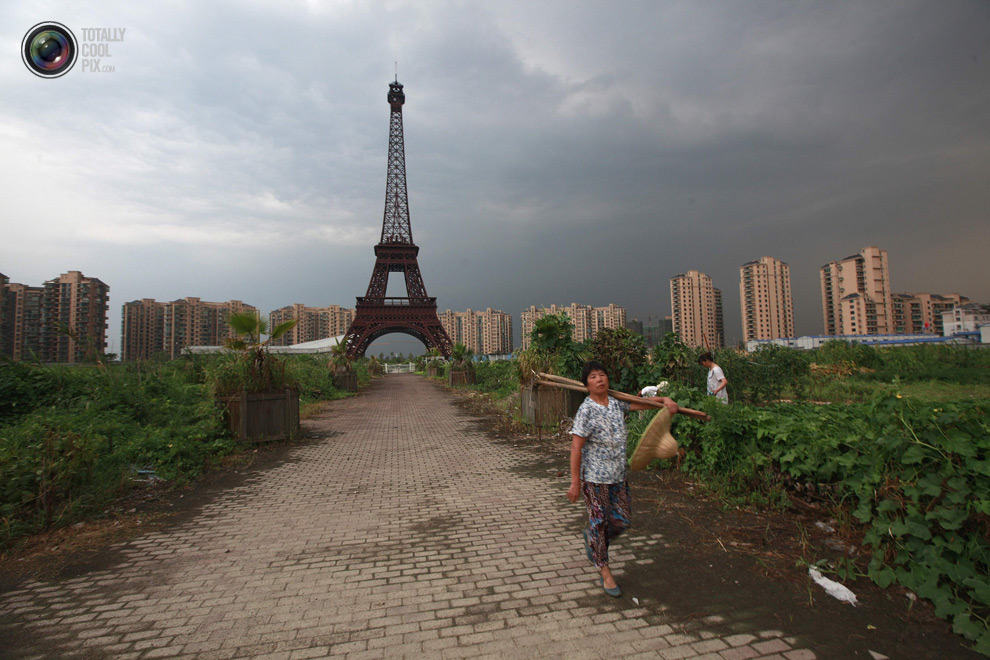 Tianducheng Fake Paris In China - Eiffel Tower in field 2