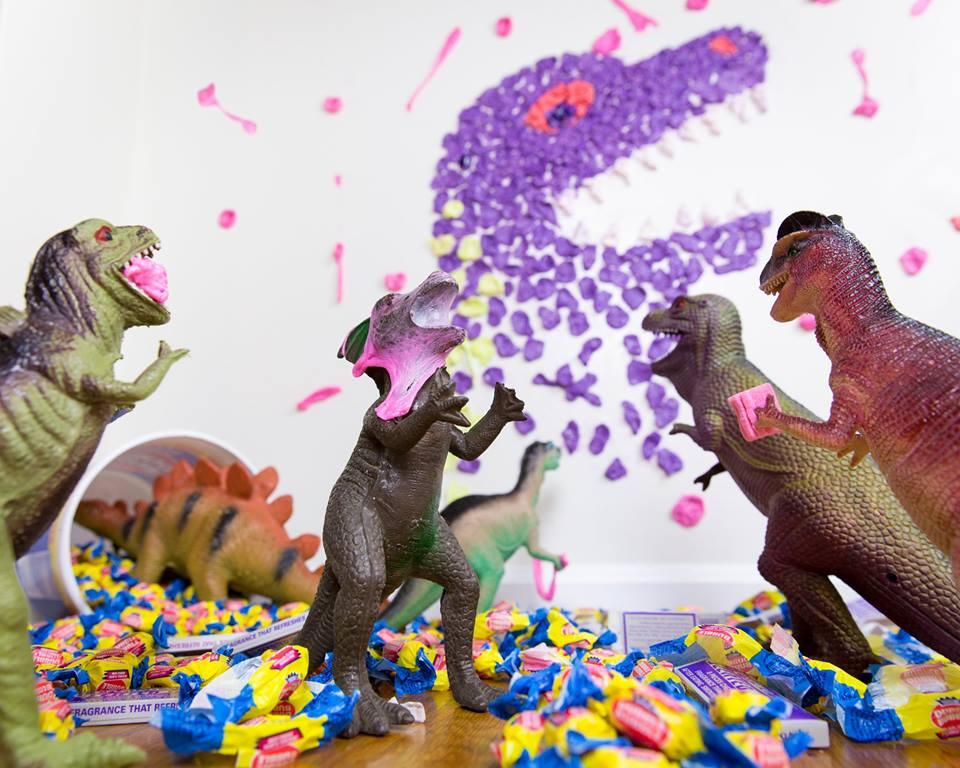 Dinovember chewing gum