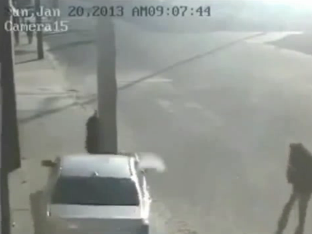 Lamp Post Saves Russian Pedestrians Life