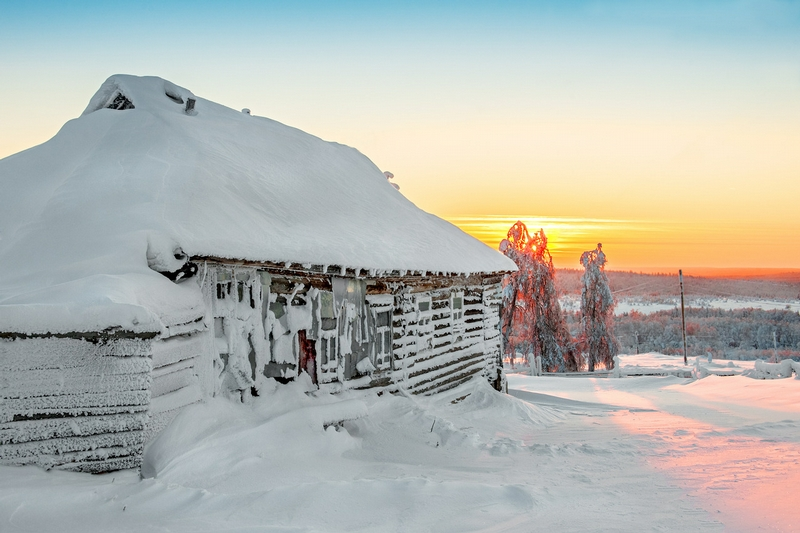 Winter In Russia Vladimir Chuprikov - hut