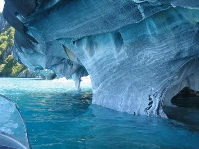 Marble Caves Chile - azure waters