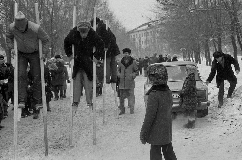 Vladimir Vorobjev - Russia Photography - 80s - Stilts