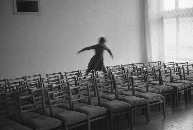 Vladimir Vorobjev - Russia Photography - 80s - chair run