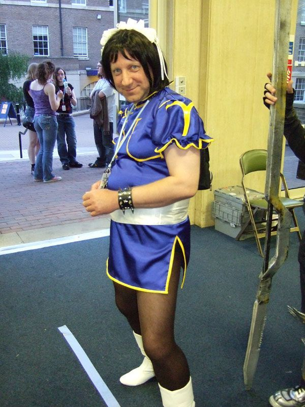 Cosplay Fails - unattractive man in blue dress