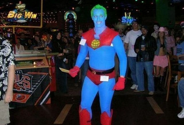 Cosplay Fails - wonder man