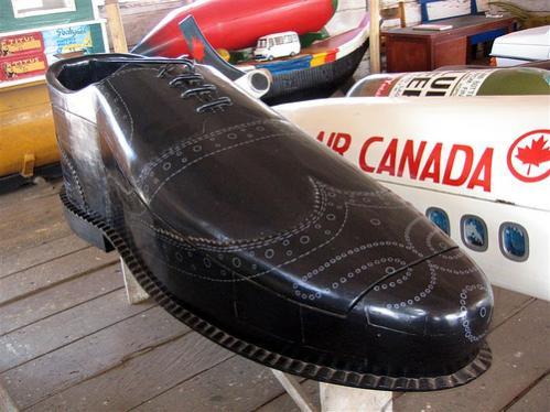Ghana Coffins - Kane Kwei - shoe maker