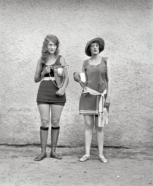 Interesting Old Photos Rare - beauty pageant 1922