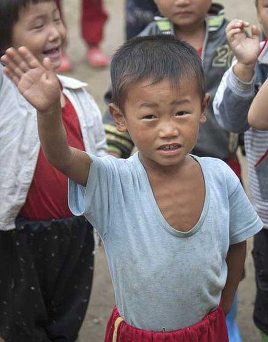 North Korea Rare Deleted Photos - malnutrition 2