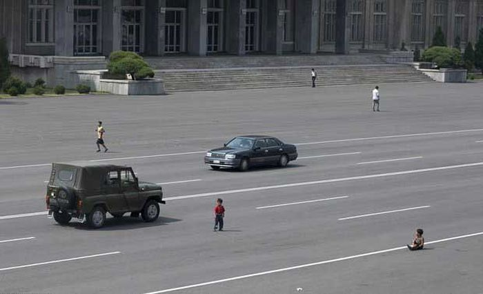 North Korea Rare Deleted Photos - no cars