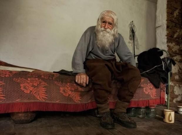 Dobri Dobrev - Bulgaria beggar - at home