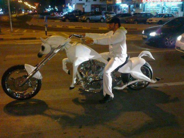 Dubai Madness - horse bike