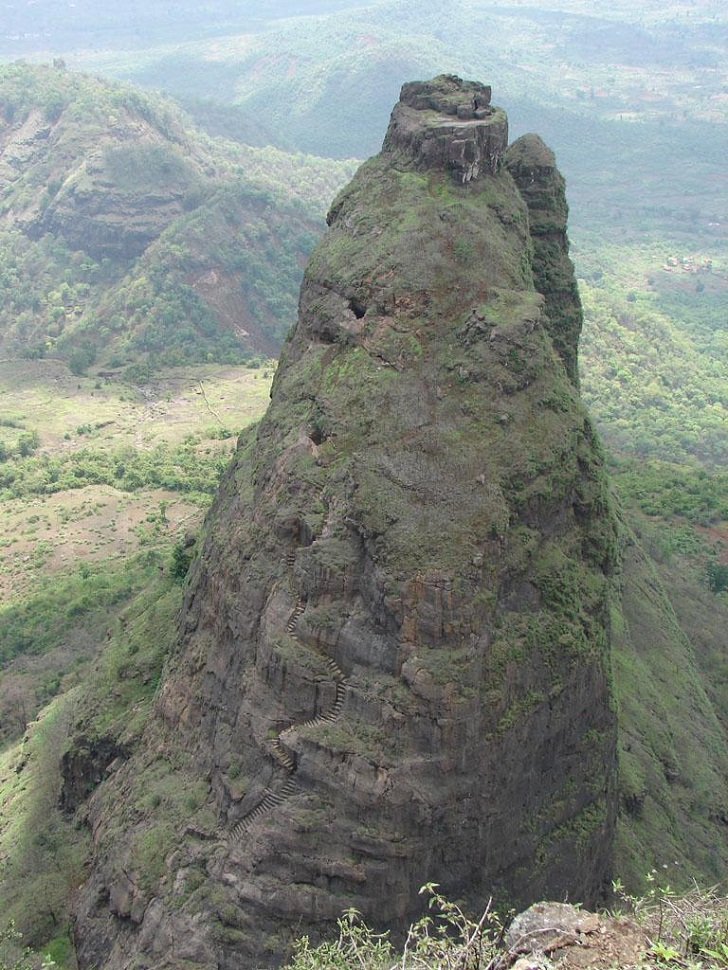 Kalavantin Durg - India Dangerous Fort - stairs