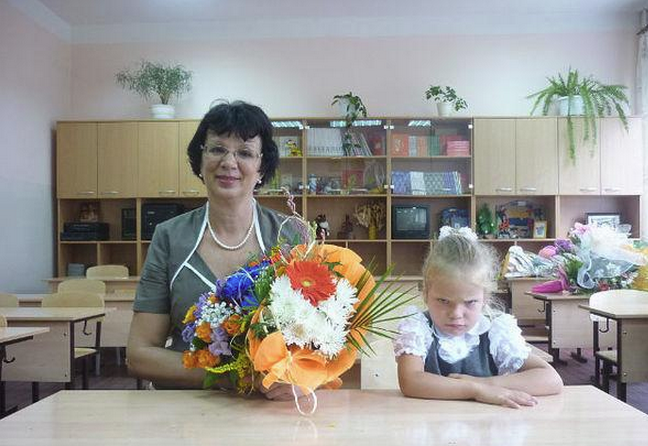 Awesome Photos From Russia With Love - first day at school