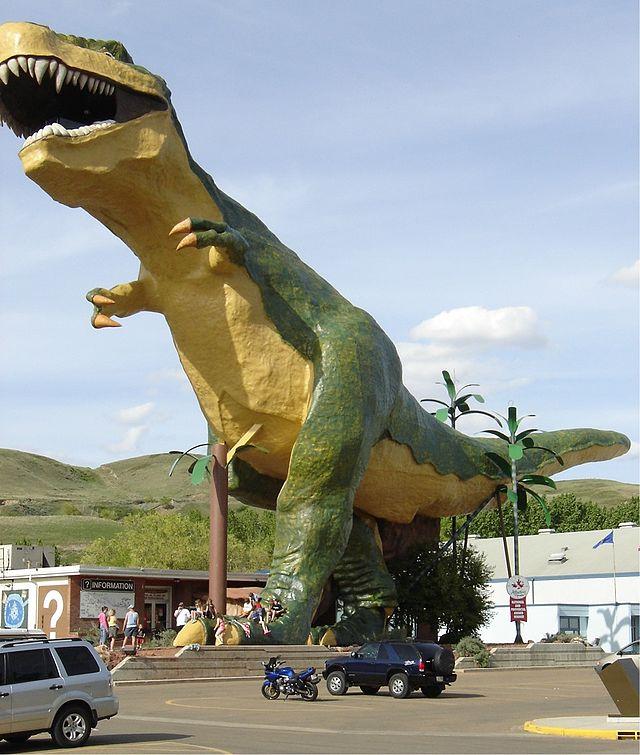 Drumheller Dinosaur Largest In World