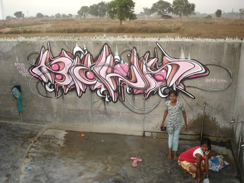 India Graffiti - Delhi - girls