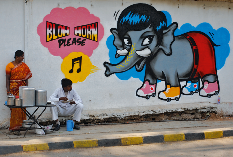 India Graffiti - Random - Blow Horn