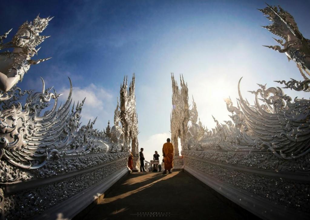 White Temple Chian Rai Wat Rong Khun bridge