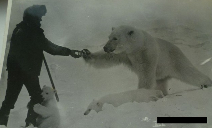 Best Russia Pictures - Explorer With Polar Bear