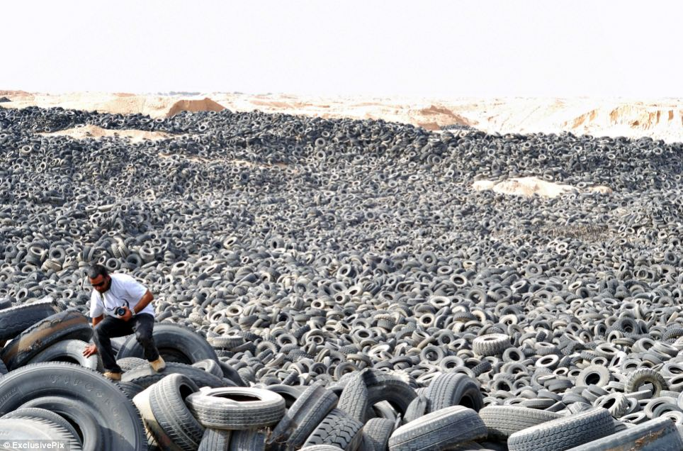 Weather - hottest place on earth - Sulaibya, Kuwait tyre graveyard