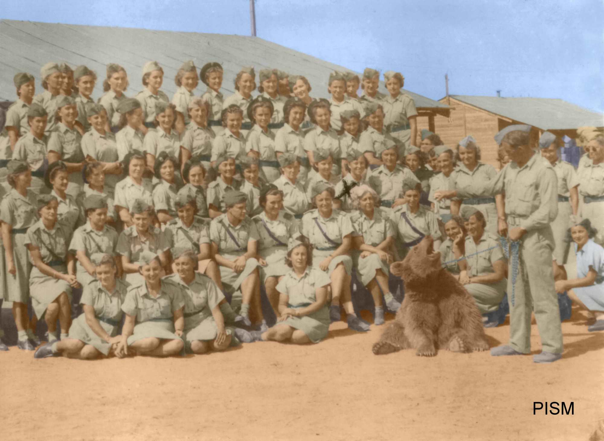 Wojtek Bear with other troops