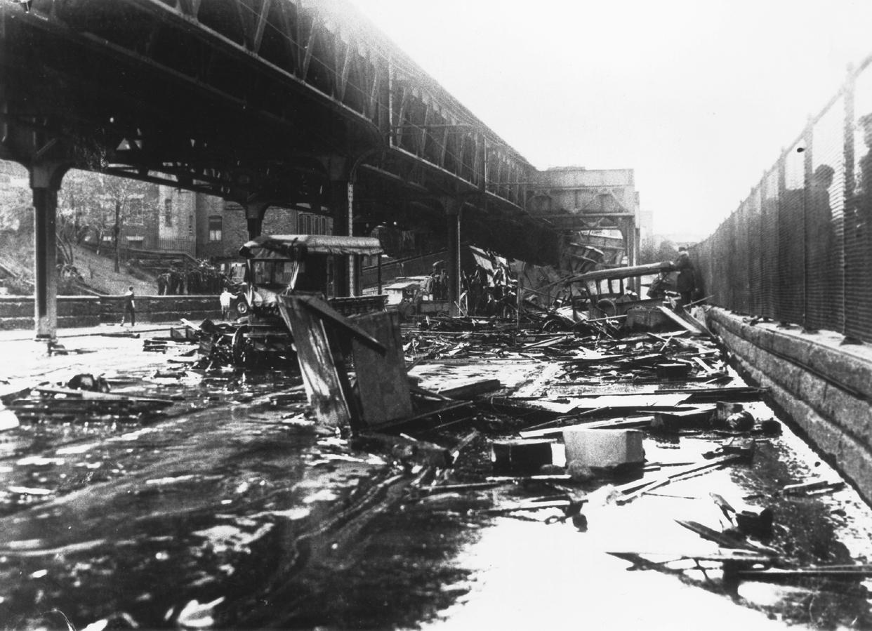 Boston Molasses Flood - cars destroyed