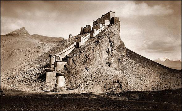 Old Photos Of China - Kampa Dzong Tibet 1909