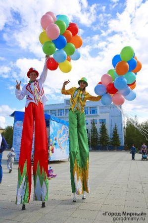 mirny-russia-yakutia-stilts