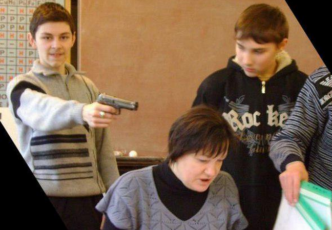 Awesome Russia - Student Holds Gun To Teachers Head