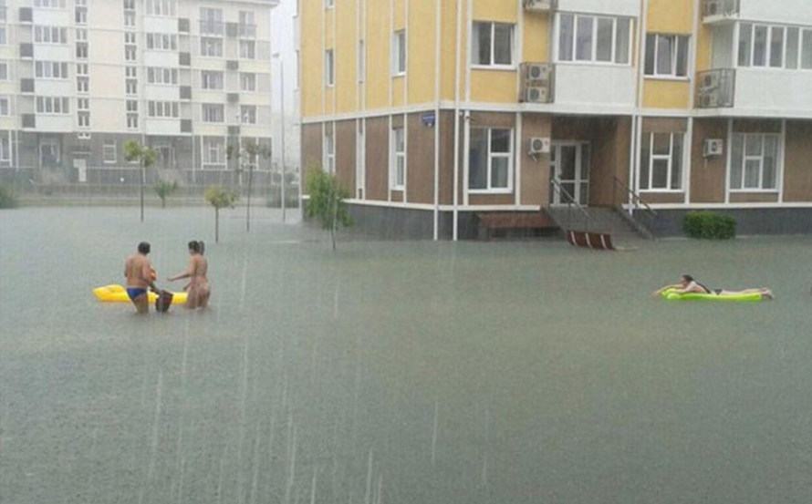 Funny Russian Pictures - Sochi Floods News 2