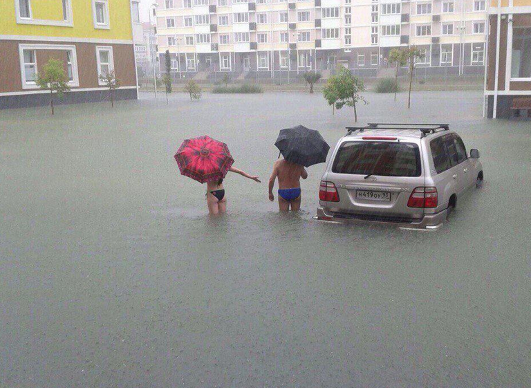 Funny Russian Pictures - Sochi Floods News