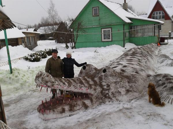 Awesome Photos Russia With Love - Crocodile Made Of Snow
