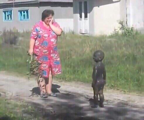 Awesome Photos Russia With Love - Kid Covered In Oil