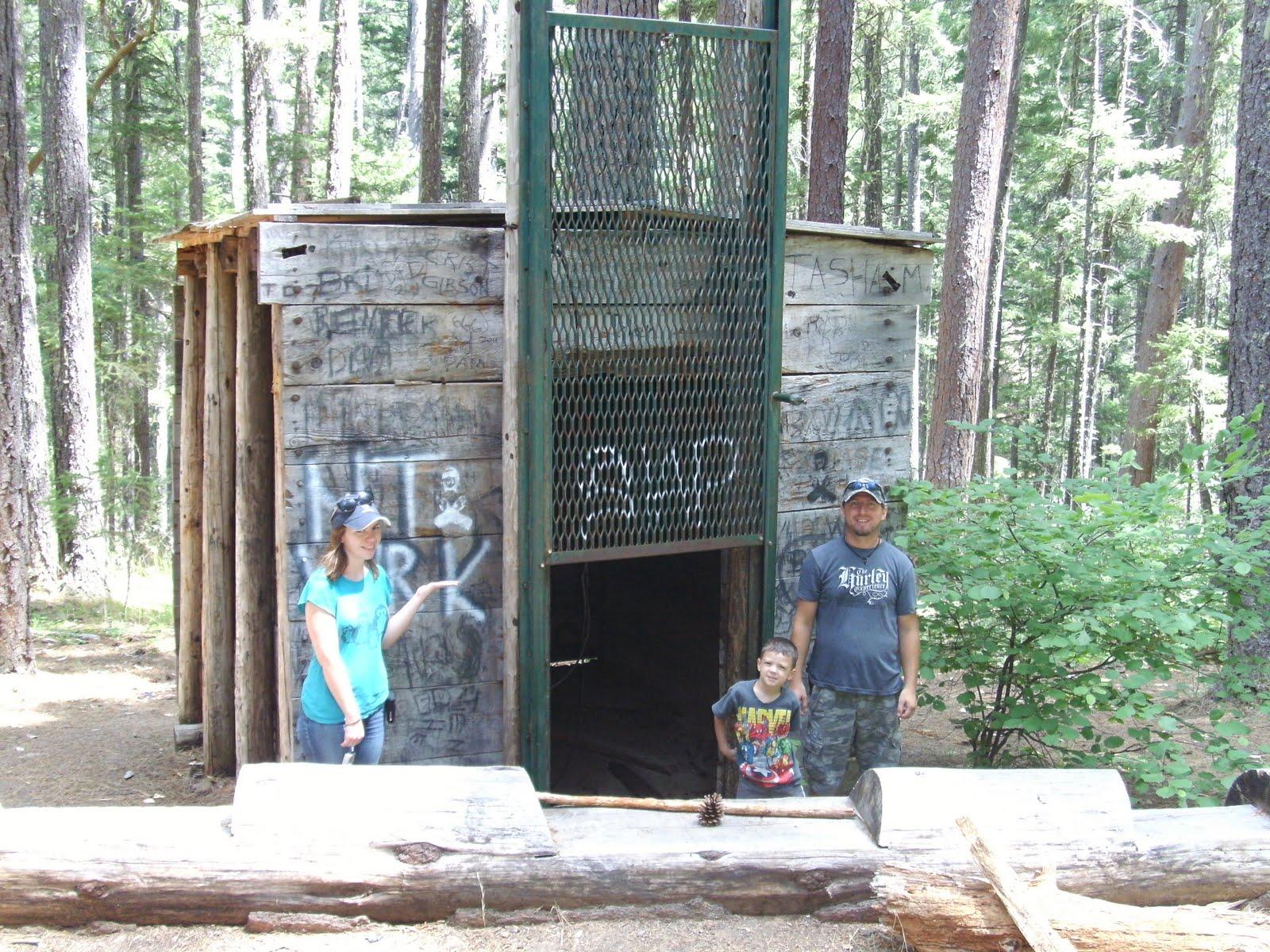 Bigfoot Trap Oregon - Tourists
