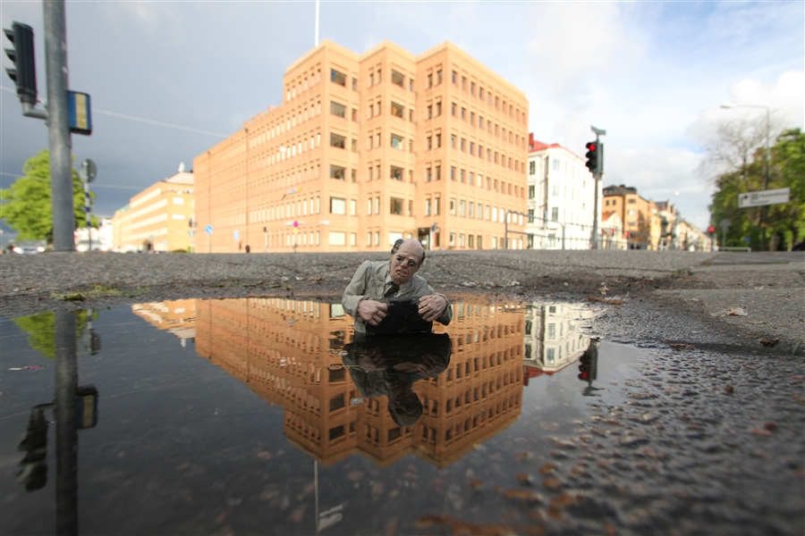 Climate Change - Isaac Cordal 2