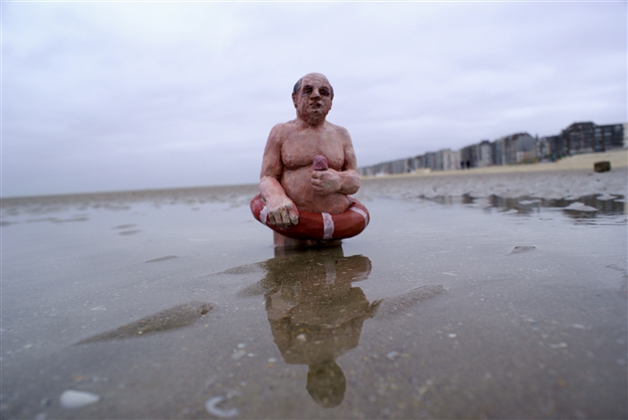 Climate Change - Isaac Cordal 5