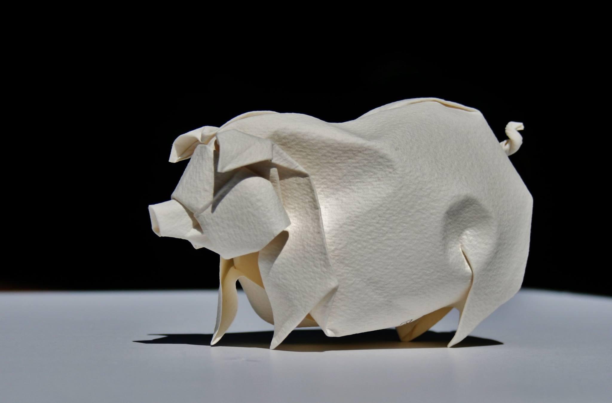 Hoàng Tiến Quyết Wet Fold Origami Pig