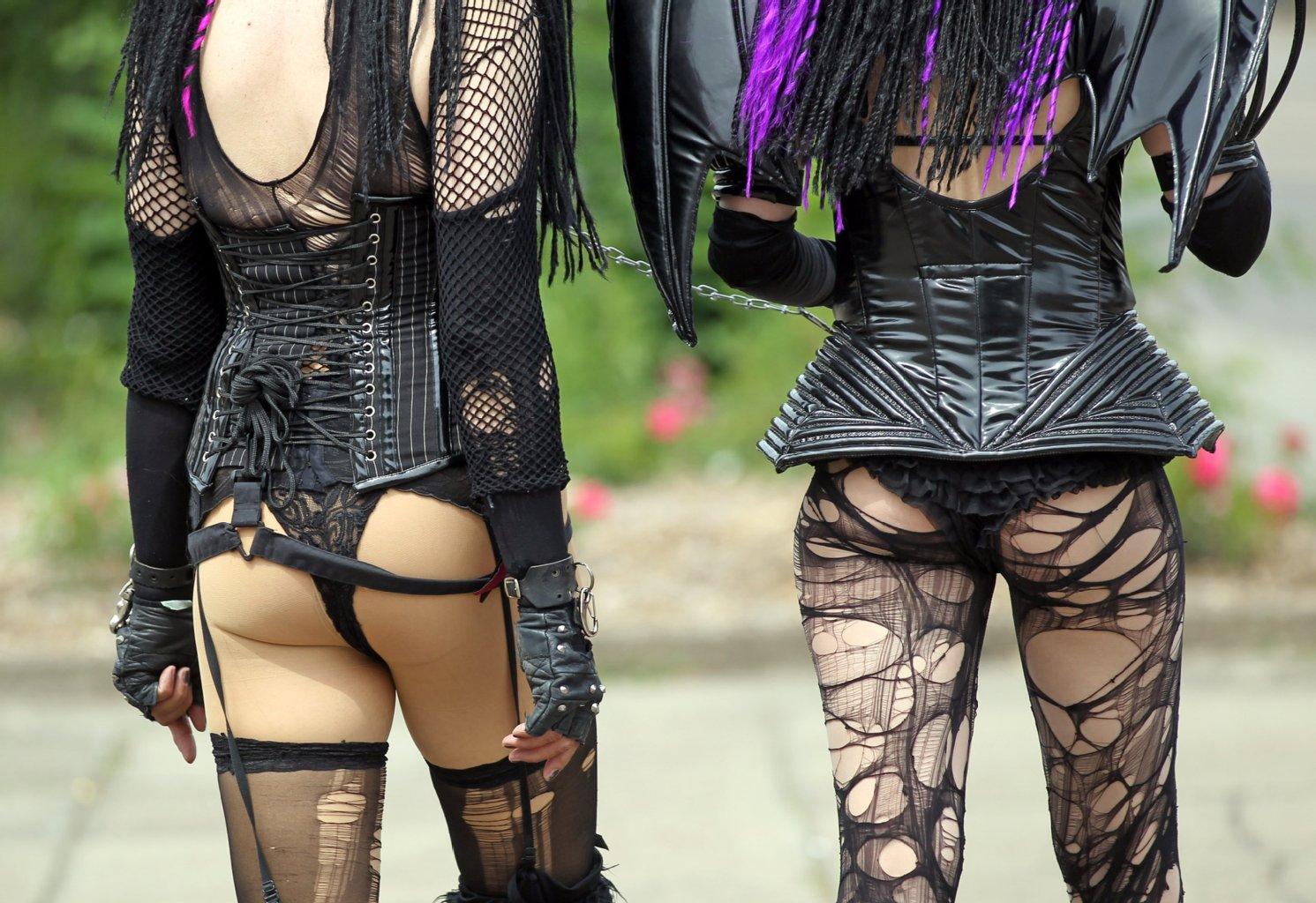 Wave Gotik Treffen - Sexy Goth Behind