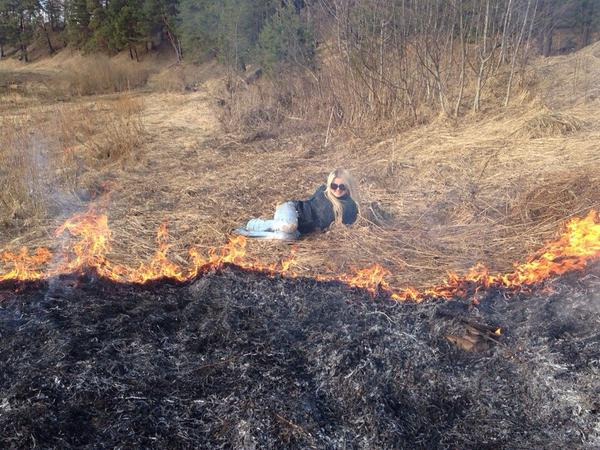 Awesome Photos From Russia With Love - Forest Fire Selfie