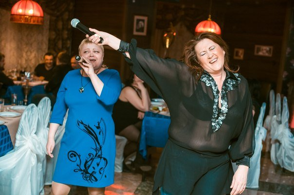 Awesome Photos From Russia With Love - Karaoke Queens