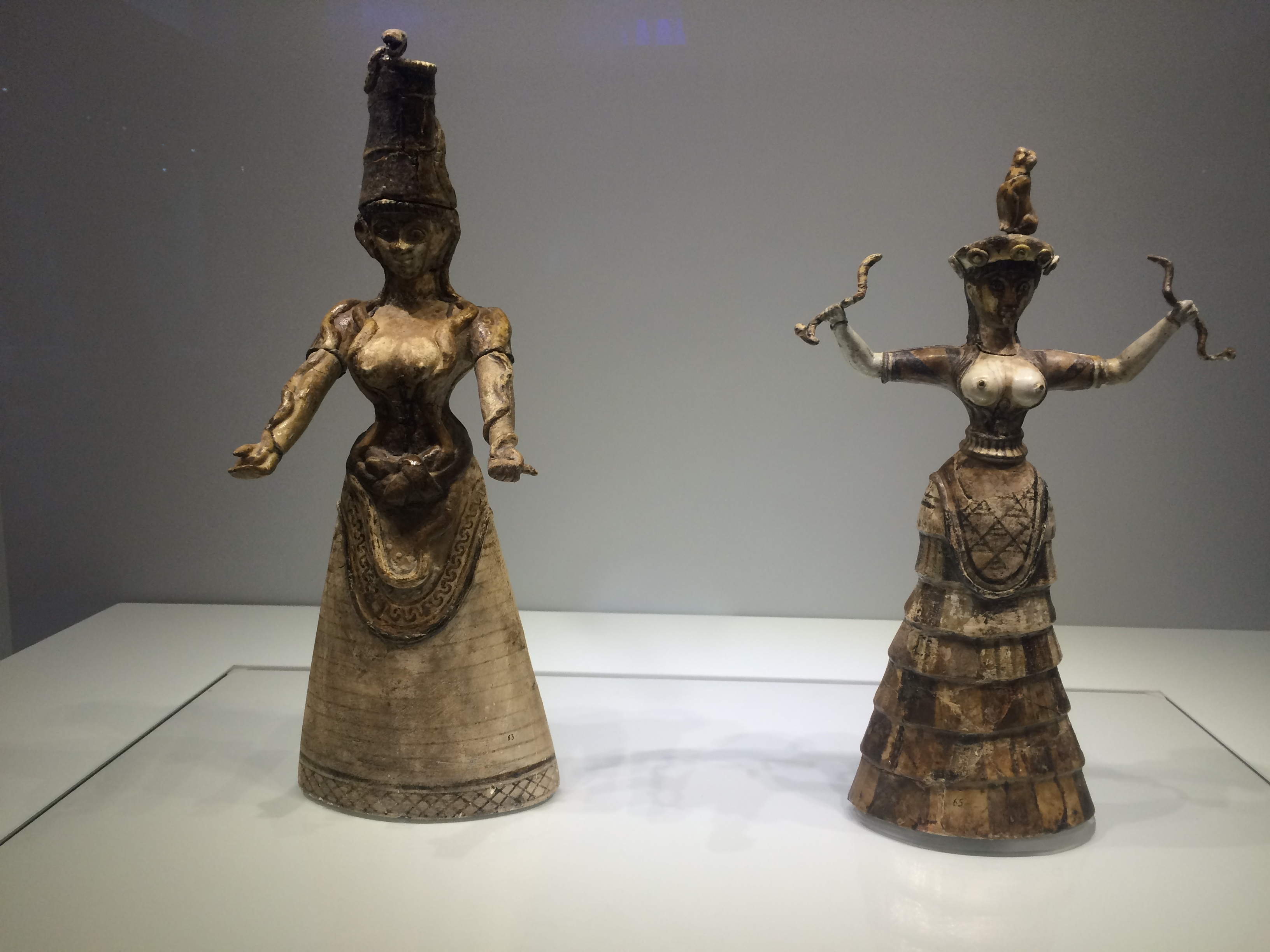 Minoan Women Statues - Naked Breasts