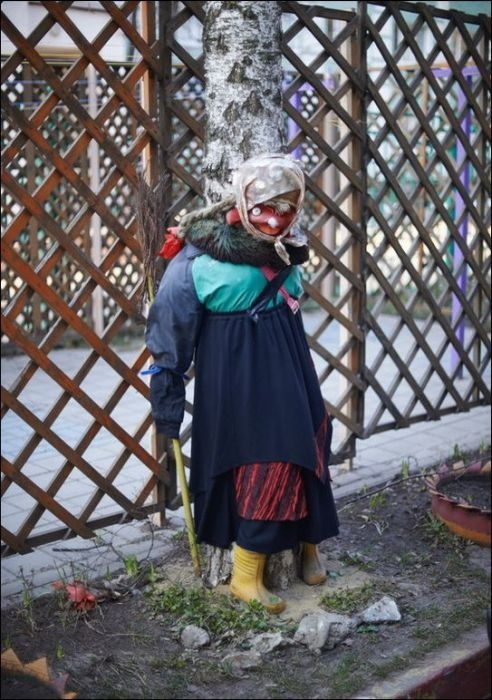 Awesome Photos From Russia With Love - Scary Lady