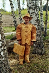 Awesome Photos From Russia - Wooden Suit