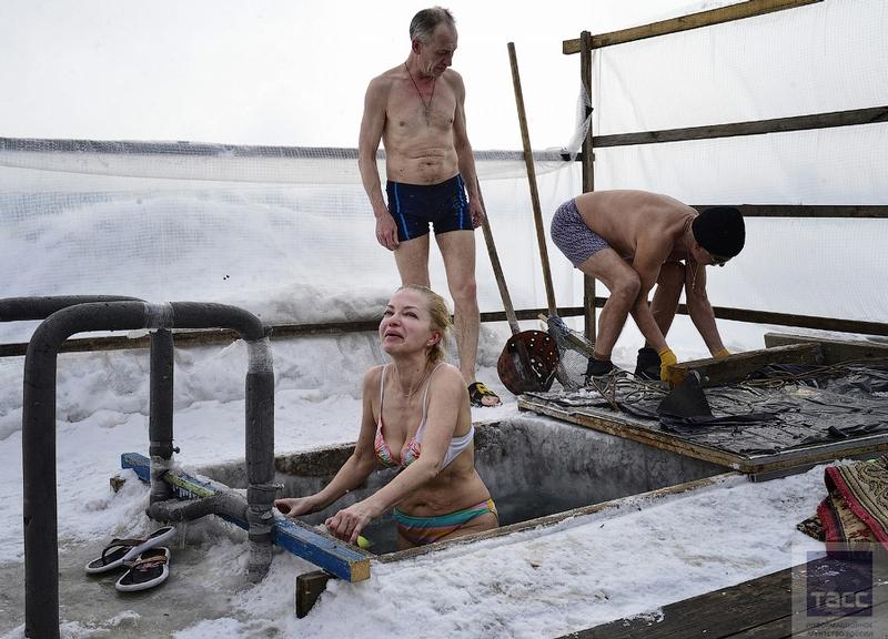 Blagoveshchensk Ice Swimming 11