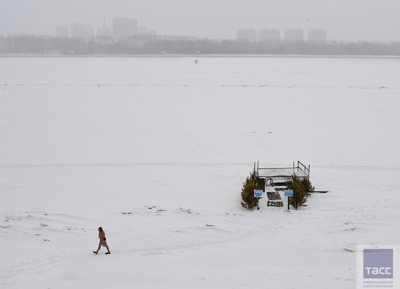 Blagoveshchensk Ice Swimming 3