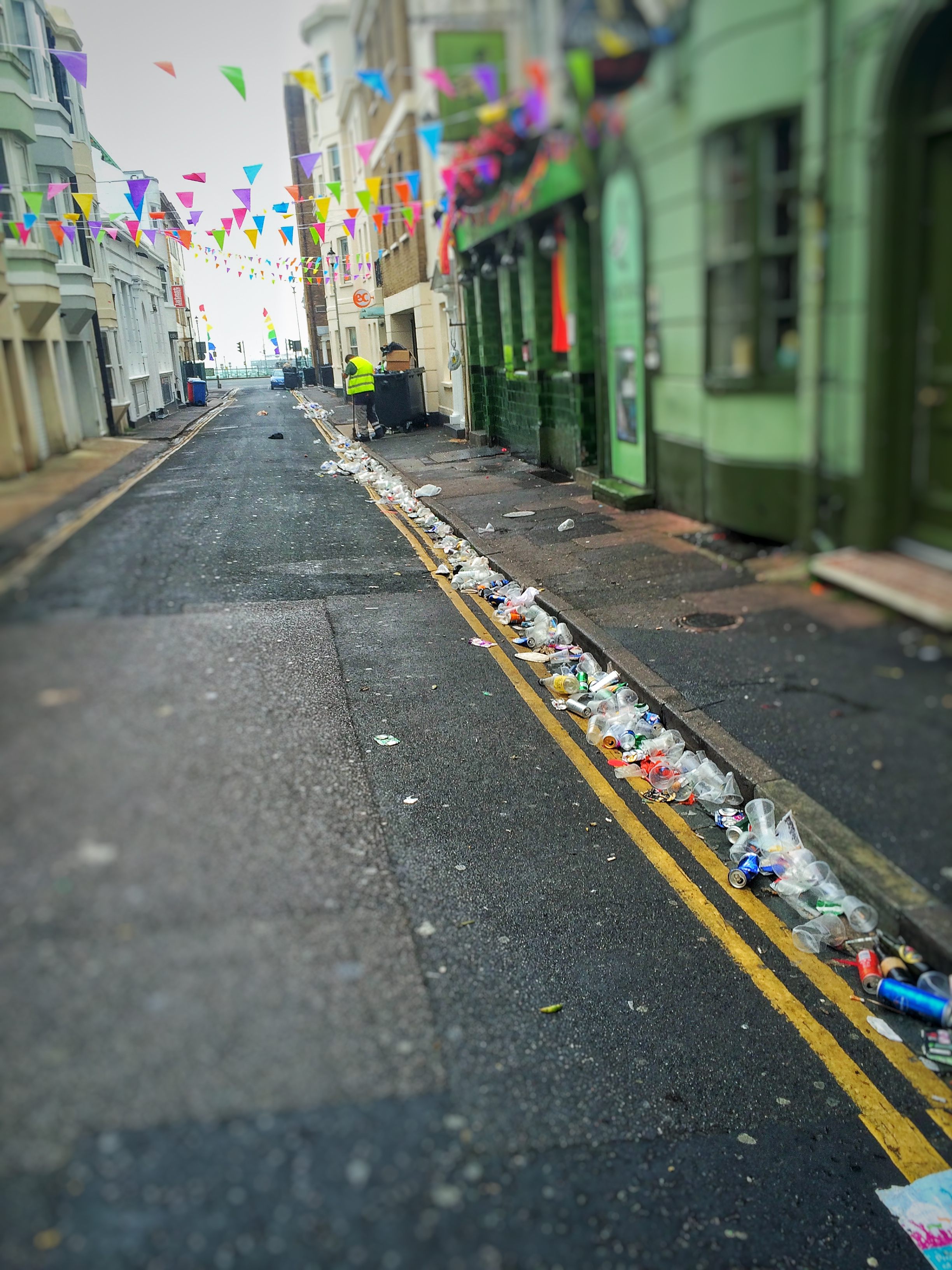 BRIGHTON PRIDE 2016 AFTERMATH - litter outside pub